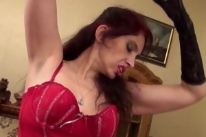 50-year-old d like to fuck karolina disrobes out