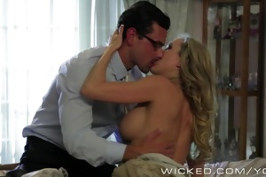 brandi love acquires woken up by large dick