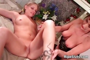 old d like to fuck gets satisfied by three-some