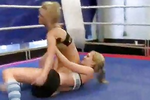 hawt youthful blondes fighting