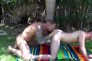 hot hung dad bonks twink bareback