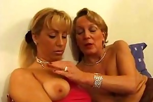 aged french lady getting fisted by a younger girl