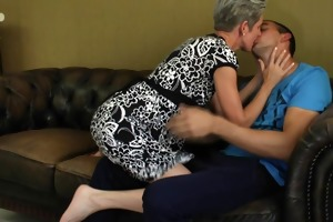 granny acquires a huge facial 140.smyt