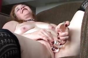 pleasing older hottie has a bulky wet vagina