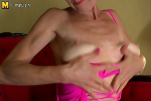 dirty mature mother playing with herself