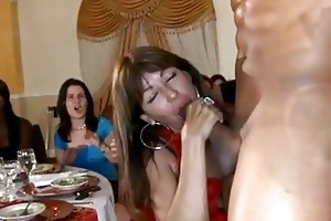 sexy young girls engulfing wang