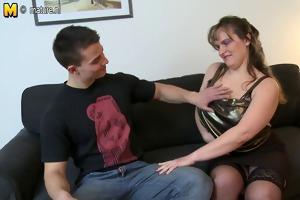 mama with big saggy billibongs fucks youthful boy