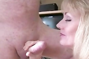 melanie makes hubby see