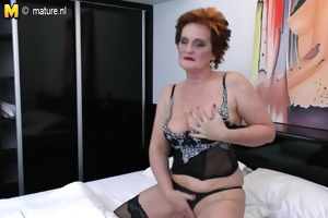 dirty old grandma and her hungry vagina