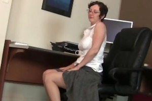 hairy gilf in pantyhose needs to acquire off