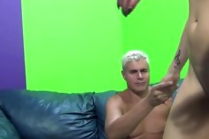 young stripper is pumping porno dans cock!