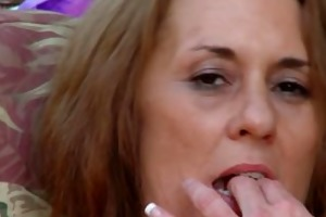 cristine ruby fingers her slit outdoors.