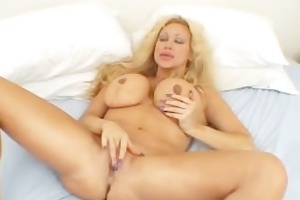 biggest tits mama in strap fingering her part5