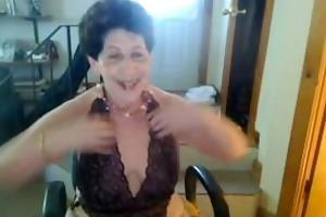 old saggy tittie gazoo slut enjoys singing on