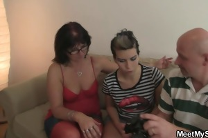 his mama and gf play with dildo jointly