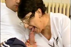 brunette breasty old mamma gets big knob fucked