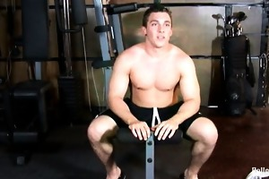 todd gunn is a hawt muscled up 18 year old jock