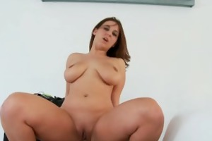 brunette honey with large milk shakes lexxxi