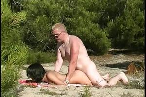 18yo girl drilled by voyeur at beach