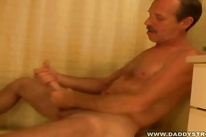 dad jessee jerking his lengthy cock