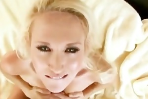classy blonde d like to fuck orall-service and