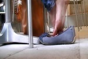 youthful shoe play addiction 1
