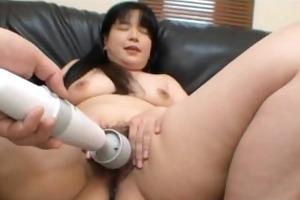 naomi okumura: hairy nippon milf pussy getting