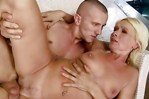 hot granny fucking with her youthful boyfriend