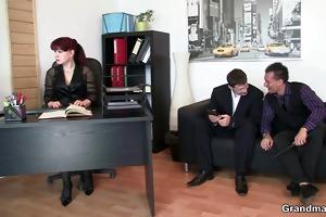 office lady pleases two schlongs