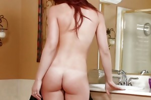 18 year old st time bathroom fuck