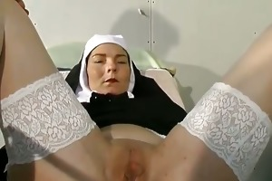 old slut got tortured in the doctors part4