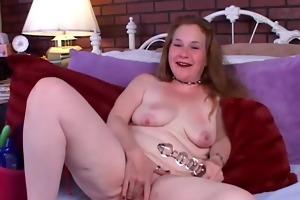mature dilettante bonks her wet cookie